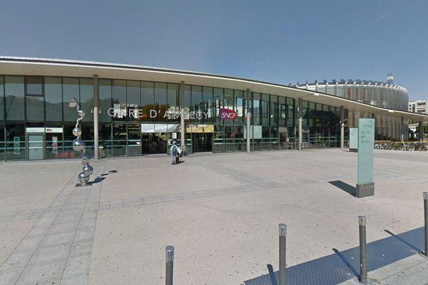 Une fausse annonce sur internet met en vente la gare d'Annecy
