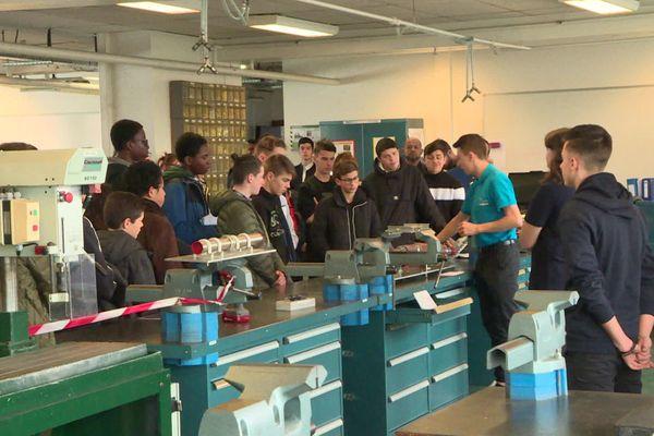 La présentation du lycée Airbus a été faite par les élèves eux-mêmes