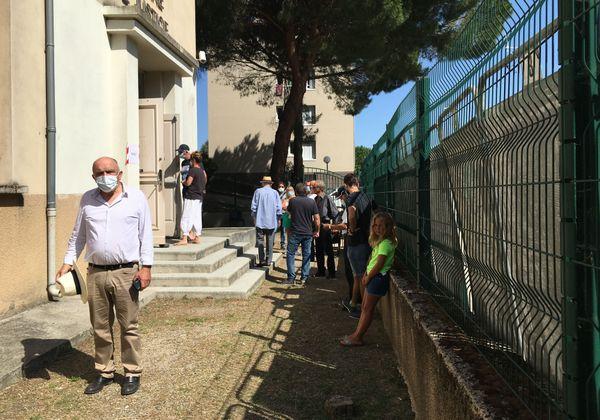 Paul Quilichini, maire sortant de Sartène, à la sortie de son bureau de vote.