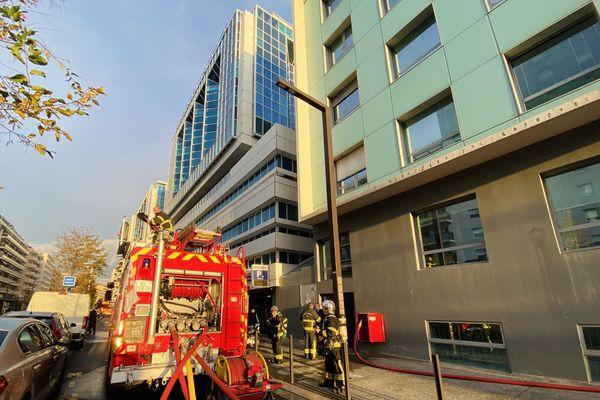 Un feu de matelas a provoqué un important dégagement de fumée à l'hôpital Lenval.