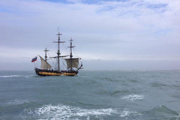 La frégate Shtandart, réplique d'un fameux bateau russe, est arrivée ce jeudi à la Grande-Motte pour 3 jours de visites.