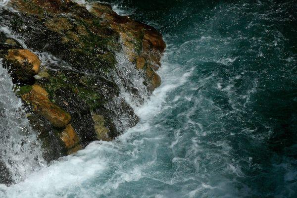 L'eau des cascades des Aiguières, à Bouquet (30), avait été polluée en plein confinement