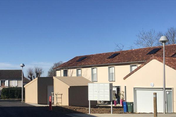 A Verneuil, il y a 25 logements sociaux actuellement contre 392 imposés par la loi.