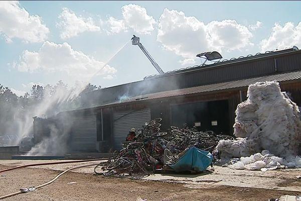 Les pompiers sont parvenus à circonscrire le sinistre.