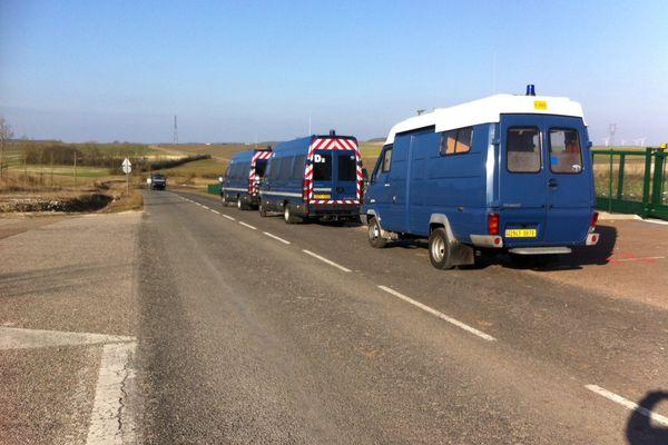 Les forces de Gendarmerie mobile.