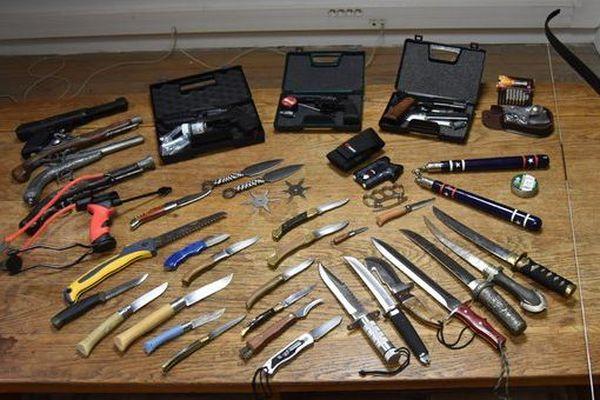 Une collection d'armes impressionnante a été découverte chez un particulier à Abbeville