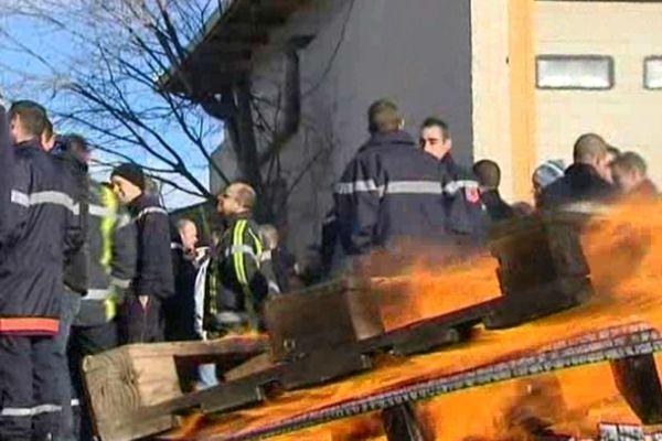 Les pompiers du Gard dénoncent la réforme de leur statut votée par le gouvernement Fillon