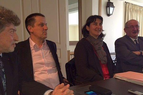Mende - Damien Alary, Laurent Suau, Sophie Pantel et Alain Bertrand, lors d'une réunion de conciliation - 31 mars 2015.