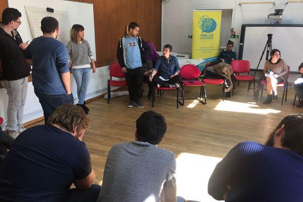 """Grâce à des ateliers et des débats, les membres de """"Parolla di a Ghjuventu"""" aident les jeunes à organiser leurs pensées et à prendre la parole. Samedi 23 février 2019."""