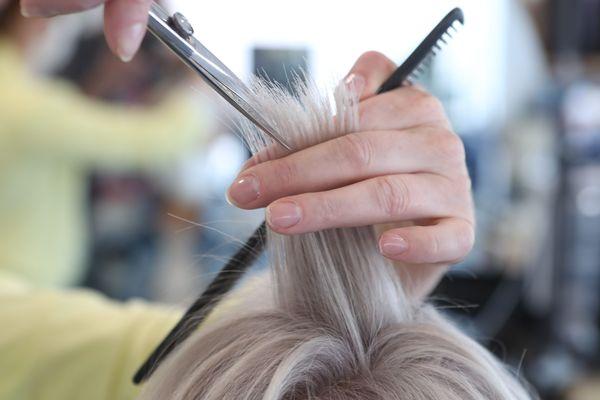Dans le cadre du déconfinement, les coiffeurs sont autorisés à ouvrir dès le 11 mai.