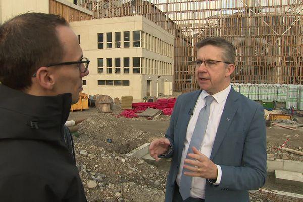 Christophe Ferrari, président de la METRO de Grenoble, est l'invité de Dimanche en Politique ce dimanche 19 janvier