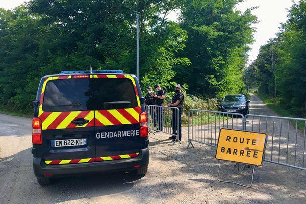 Les corps de trois nouveaux nés ou fœtus ont été découverts dans l'annexe d'une maison à Mézeray dans la Sarthe