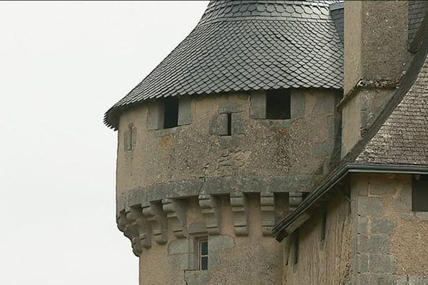 Jacques de La Ville, trésorier du comté de la Marche au XVe siècle, voulait faire de ce château un symbole de sa puissance.