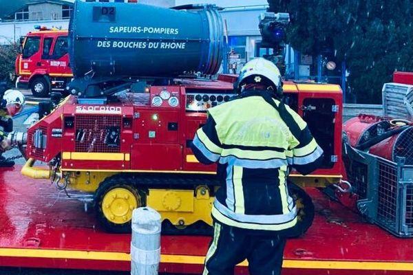 10/01/2021. Vitrolles (Bouches-du-Rhône), un incendie dans le secteur d'Airbus Helicopters mobilise un important dispositif pompiers