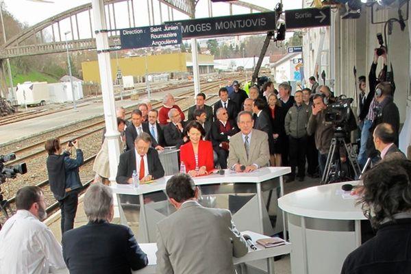 L'émission a été enregistrée sur le quai de la gare des Charentes à Limoges.