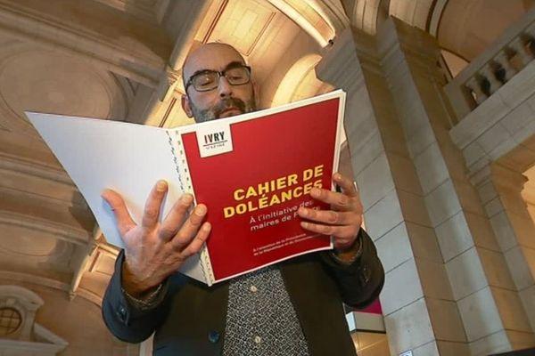 Philippe Bouyssou, maire d'Ivry-sur-Seine (PCF), maire d'Ivry sur Seine.