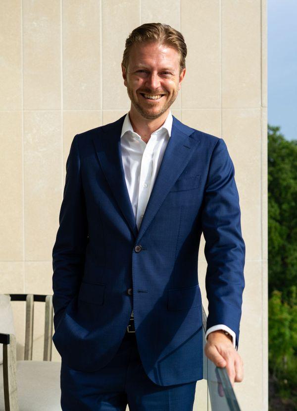Bruno Tailly, directeur des opérations du Royal Champagne, sur la terrasse de la suite Joséphine