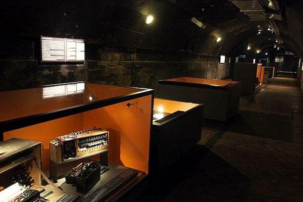 L'intérieur du bunker de commandement Richter, aménagé pour la visite par le Mémorial de Caen