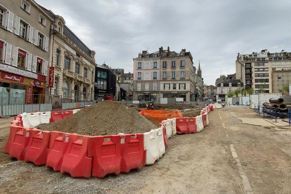 26 avril 2021 - la Place Fournier après les fouilles archéologiques