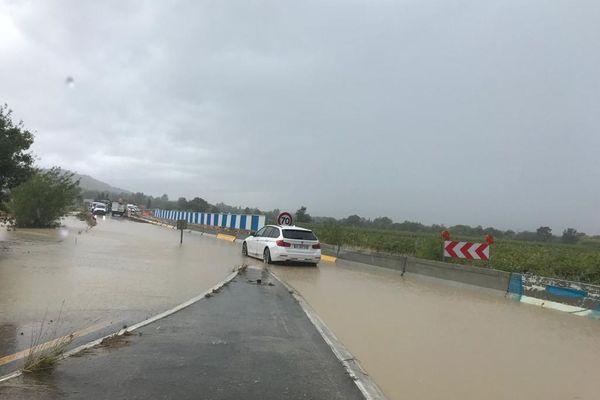 Route inondée à Langlade (Gard) - 14 septembre 2021.