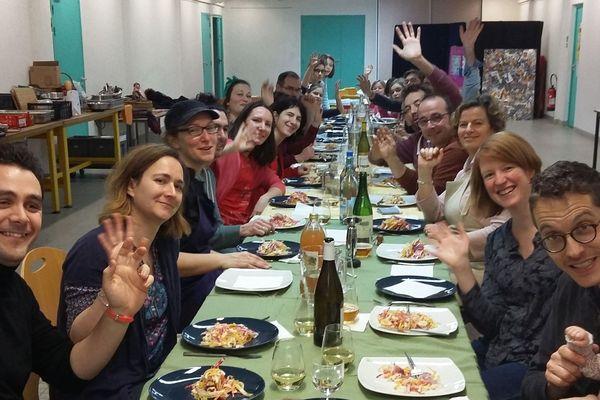 Un repas préparé et partagé par l'équipe de Lamotte-Beuvron l'an dernier.