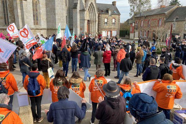 A Plouasne, rassemblement contre le projet de restructuration d'un élevage porcin