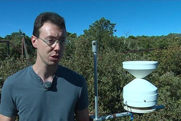 Des chercheurs du CNRS accélèrent le phénomène de sécheresse sur le site expérimental de Puéchabon, dans l'Hérault - octobre 2017