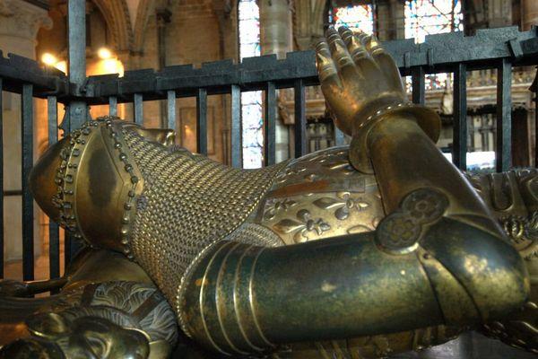 """Gisant du """"Prince Noir"""" à la cathédrale de Canterbury."""