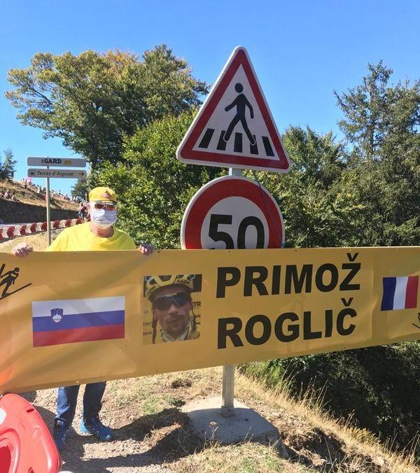 Une belle pancarte en faveur de Roglic, le Slovène
