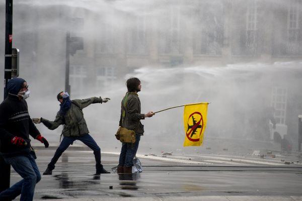 Des interpellations en Loire-Atlantique ce lundi 31 mars au matin à la suite des violences du 22 février en marge de la manifestation des anti-aéroport à Notre-Dame-des-Landes
