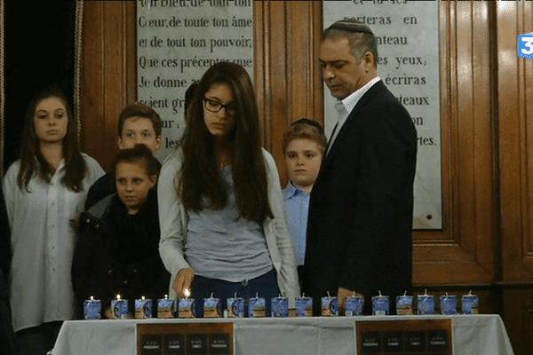 Cérémonie œcuménique à la synagogue de Nantes en hommage aux victimes des attentats parisiens de janvier 2015