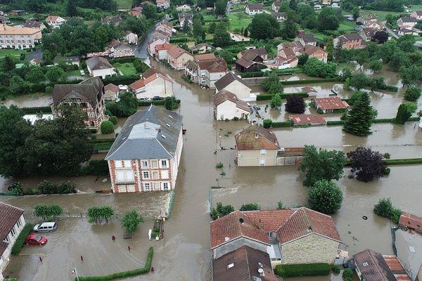 Les inondations, à Vienne-le-Château, dans la Marne.