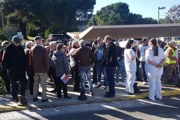 Sète - Citoyens et personnel hospitalier étaient réunis - 14.02.20