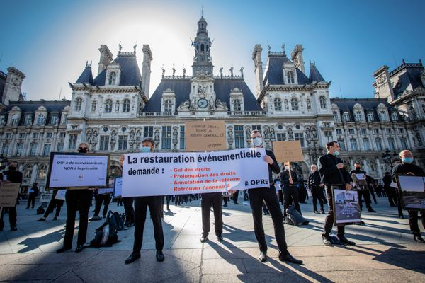 Manifestation des professionnels de la restauration événementielle à Paris le 20 juin 2020