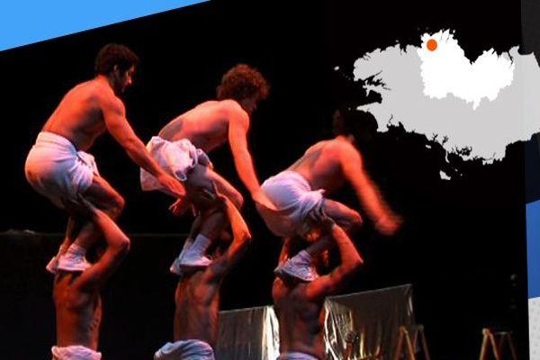 Les 6 acrobates du collectif la Meute, donneront un spectacle au Carré Magique en janvier 2015.