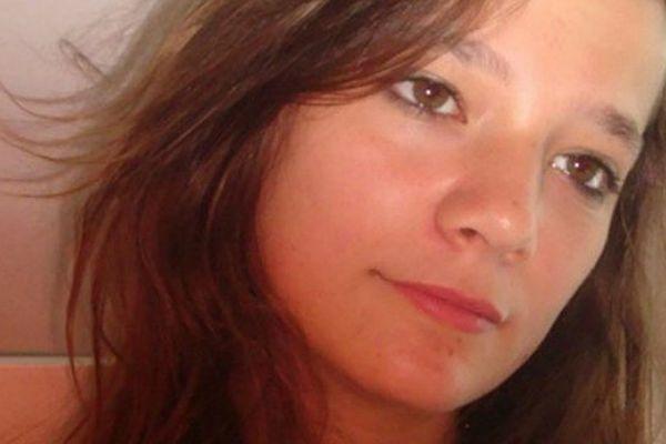 Agnès a été violée et tuée le 16 novembre 2011 dans une forêt du Chambon-sur-Lignon, en Haute-Loire. Matthieu, auteur présumé des faits, est jugé en appel à partir du 29 septembre 2014 par la cour d'assises pour mineur du Puy-de-Dôme, à Riom. En première instance, il avait été condamné à la réclusion criminelle à perpétuité.