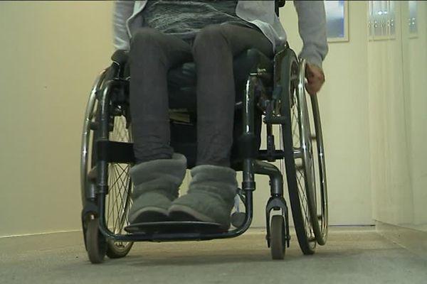 Aïda, défenestrée par son compagnon, est désormais paraplégique