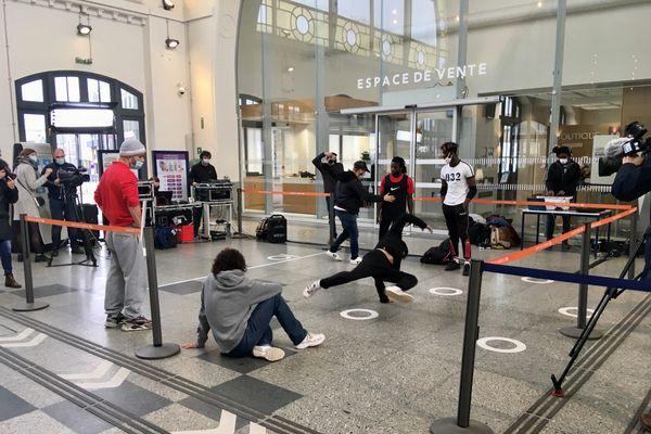 Saint-Brieuc face à Limoges : des danseurs de Hip Hop s'affrontent pour défendre l'image de leurs gares