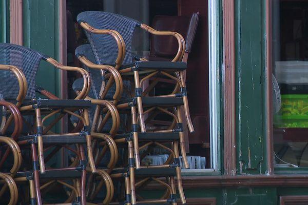 À compter du 19 mai, les terrasses de bar et restaurants pourront à nouveau accueillir du public en jauge restreinte.