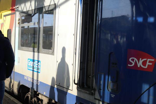 Davantage de trains à partir de mercredi, assure la SNCF.