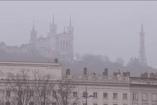 Jour de grande pollution à Lyon. Photo d'archives.