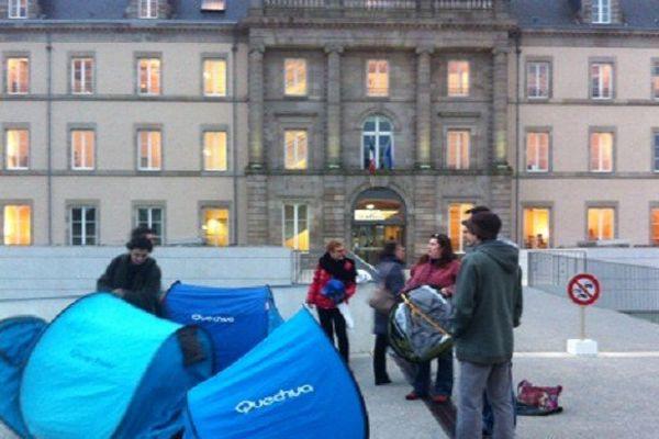 Les manifestants campent ce matin devant le conseil général de Haute-Vienne à Limoges