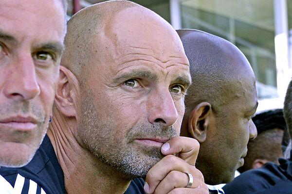 Gérald Baticle est né à Amiens en 1969 et a joué à l'ASC durant la saison 90/91. Il assure désormais l'intérim au poste d'entraîneur à l'Olympique Lyonnais.