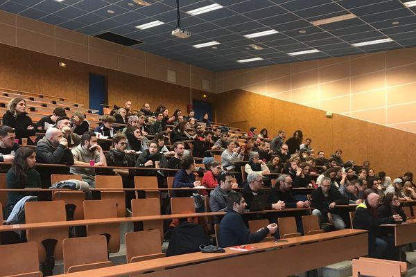 Assemblée générale à l'UFR Lettres et Langues de Poitiers