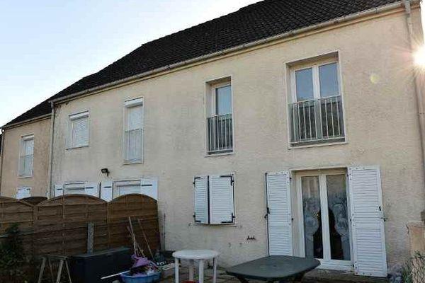 La maison où la famille du terroriste Ismaël Mostefaï a habité à Chartres