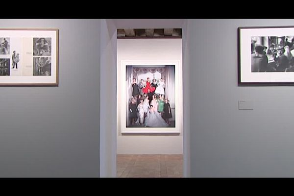 Les photos de Sabine Weiss exposées au château de Tours.
