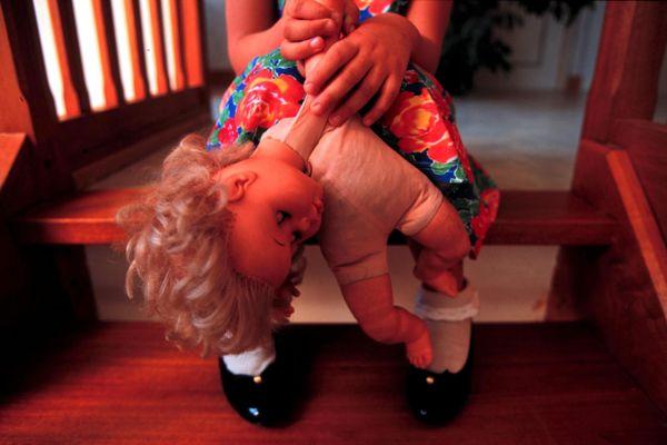 En France, 78% des victimes d'inceste sont de sexe féminin selon l'association Face à l'inceste.