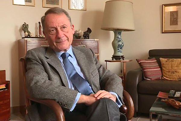 L'historien Jean-Luc Barré a reçu notre équipe avant son témoignage lors du procès en appel de Jérôme Cahuzac.