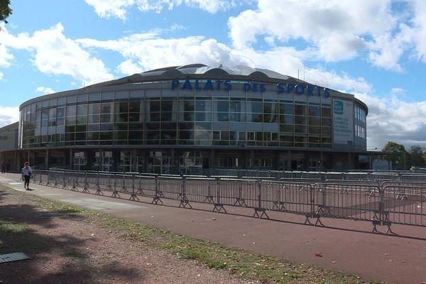 Le palais des sports de Lyon transformé en un centre de dépistage Covid 19