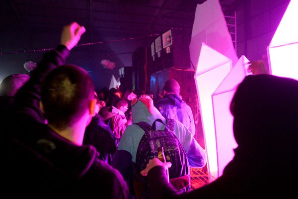 Pour le réveillon du 31 décembre, quelque 2 500 personnes se sont rassemblées lors d'une rave party.